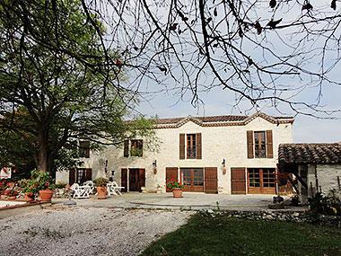 Autrement immobilier sarl grande maison familiale avec piscine et grange - Autrement maison ...
