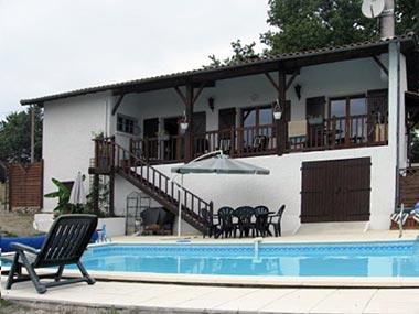 Autrement immobilier sarl maison contemporaine avec jardin et piscine - Autrement maison ...